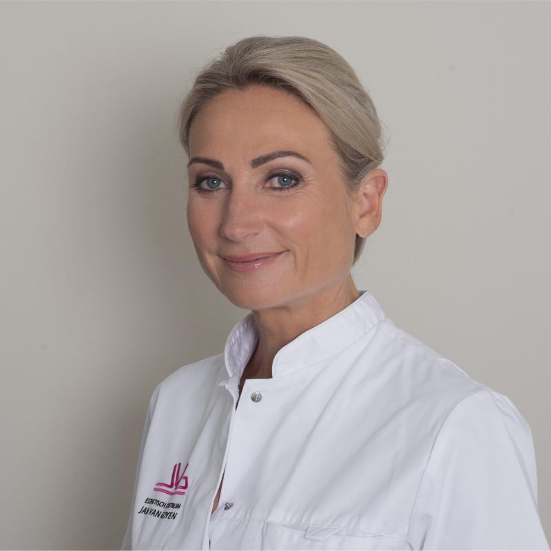 Daniela van Apeldoorn skin therapist