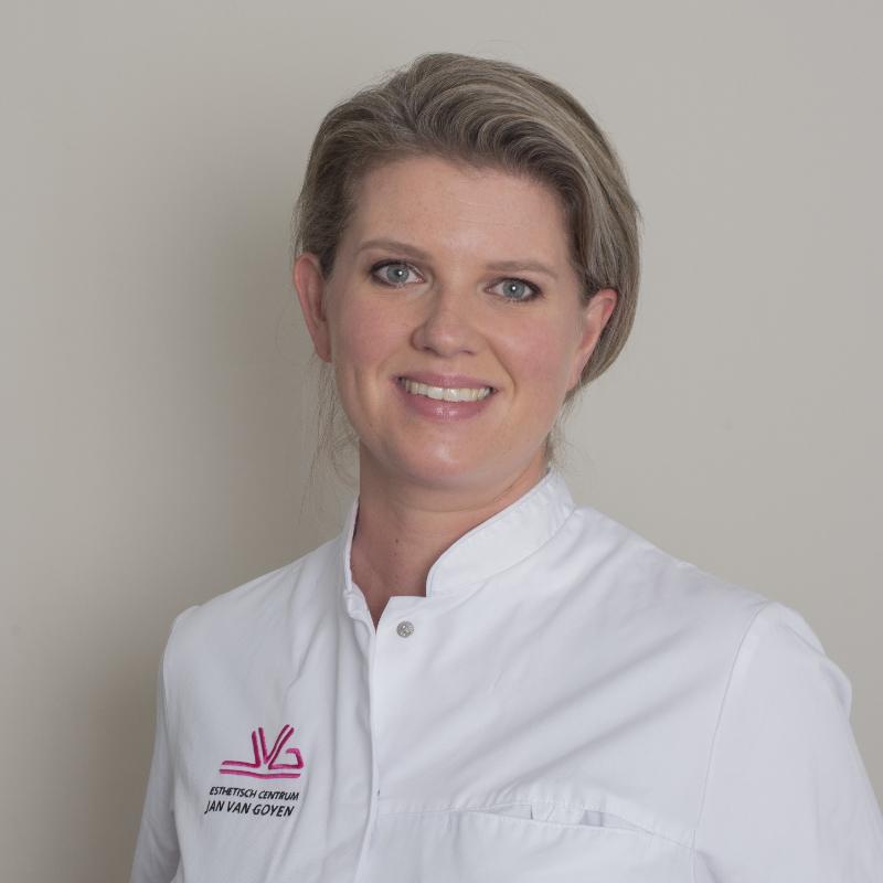 dr. Marije Kroon at Aesthetic Center Jan van goyen